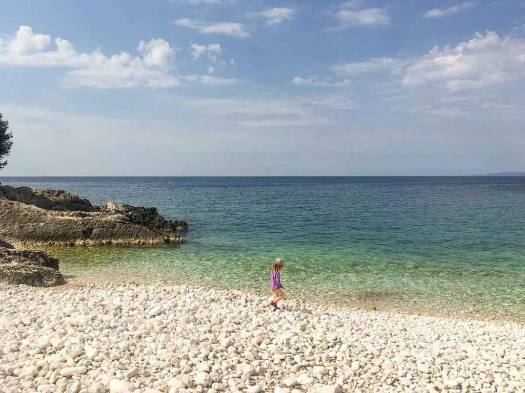 Playing on Mekićevica Beach - Hvar Beaches with kids