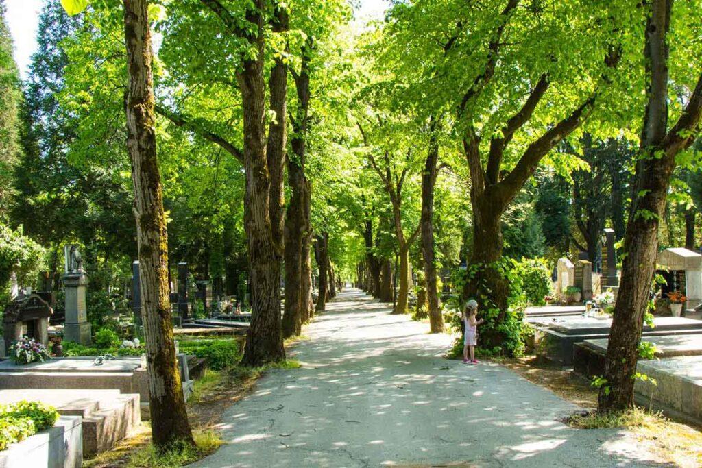 best things to do in Zagreb Croatia with kids - Mirogoj cemetery