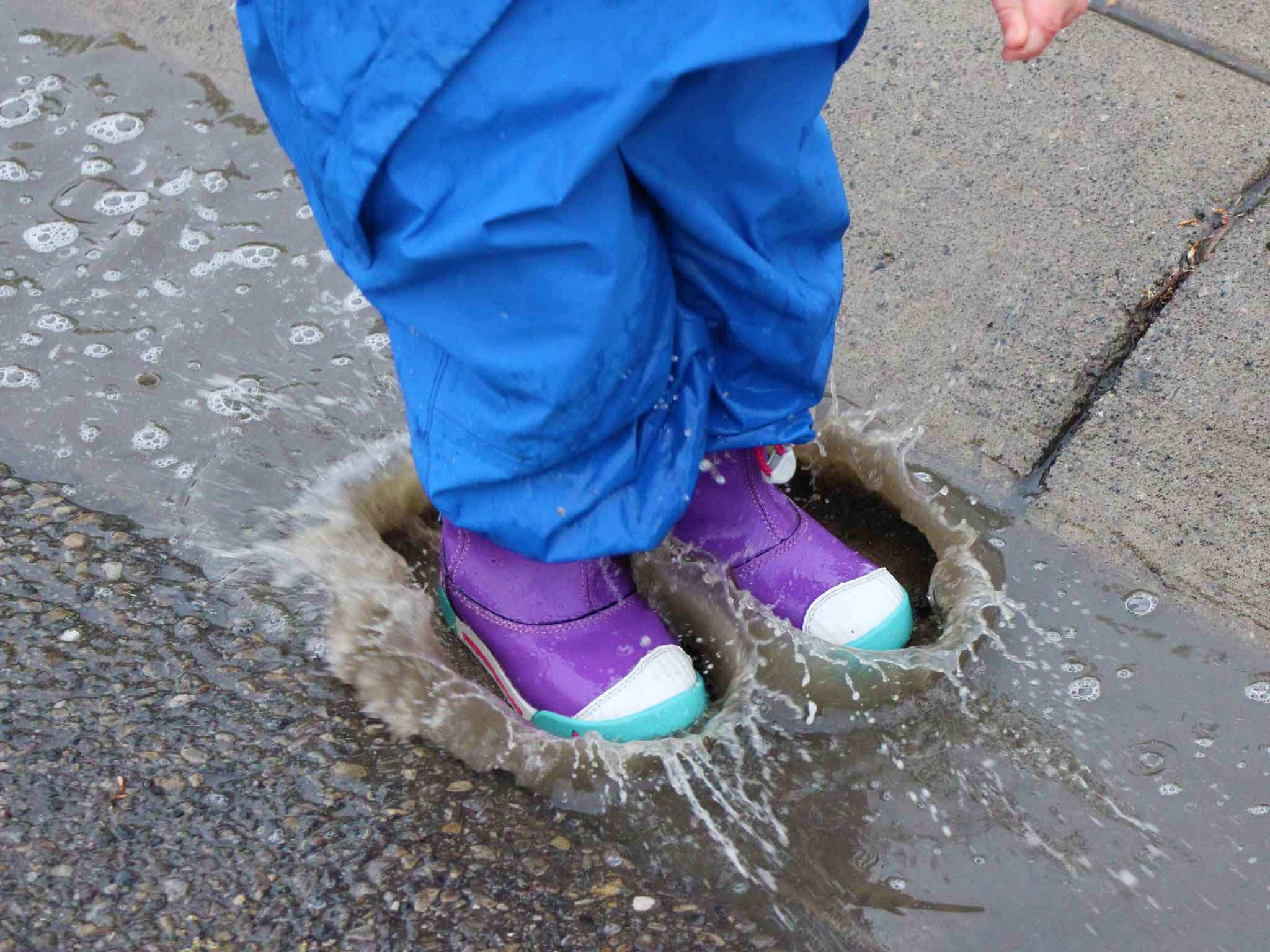 Family-Can-Travel---Review-of-Keen-Encanto-Waterproof-Boots-Header