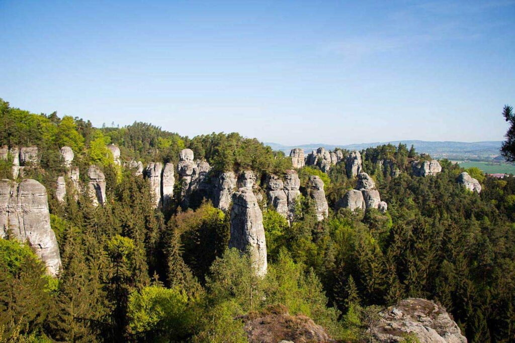 Hiking Hruba Skala to Valdstejn Castle in Bohemian Paradise with kids