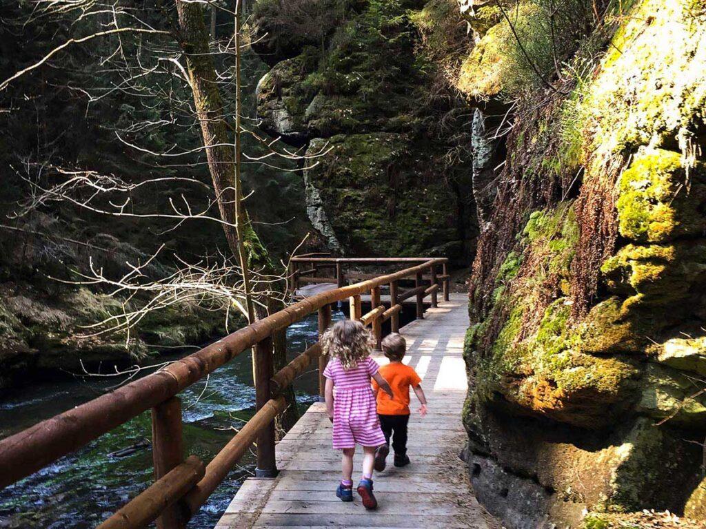 Hiking Wild Gorge Loop in Bohemian Switzerland with kids
