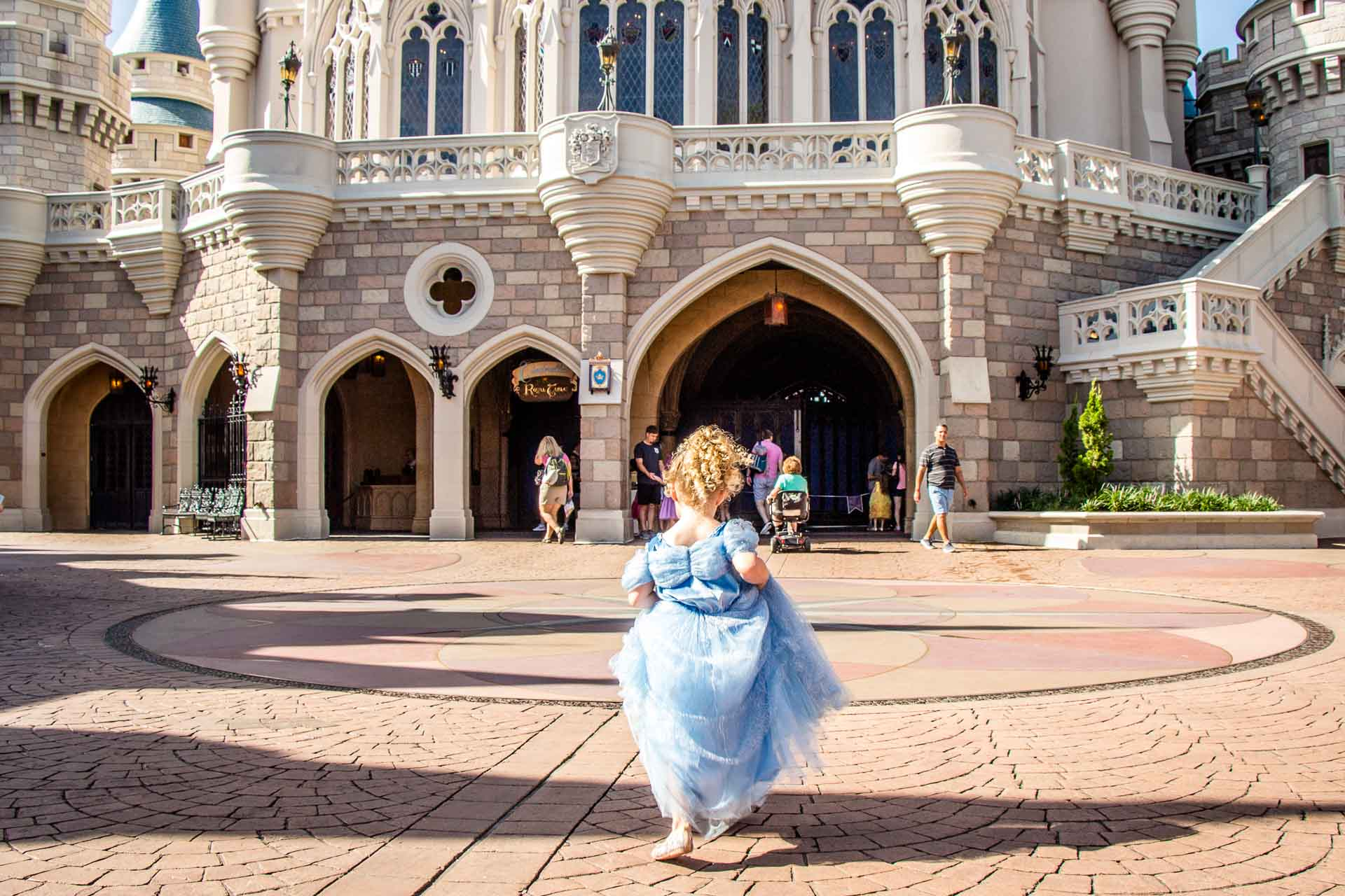 best princess experiences for 5 year old girl - walt disney world cinderella royal table