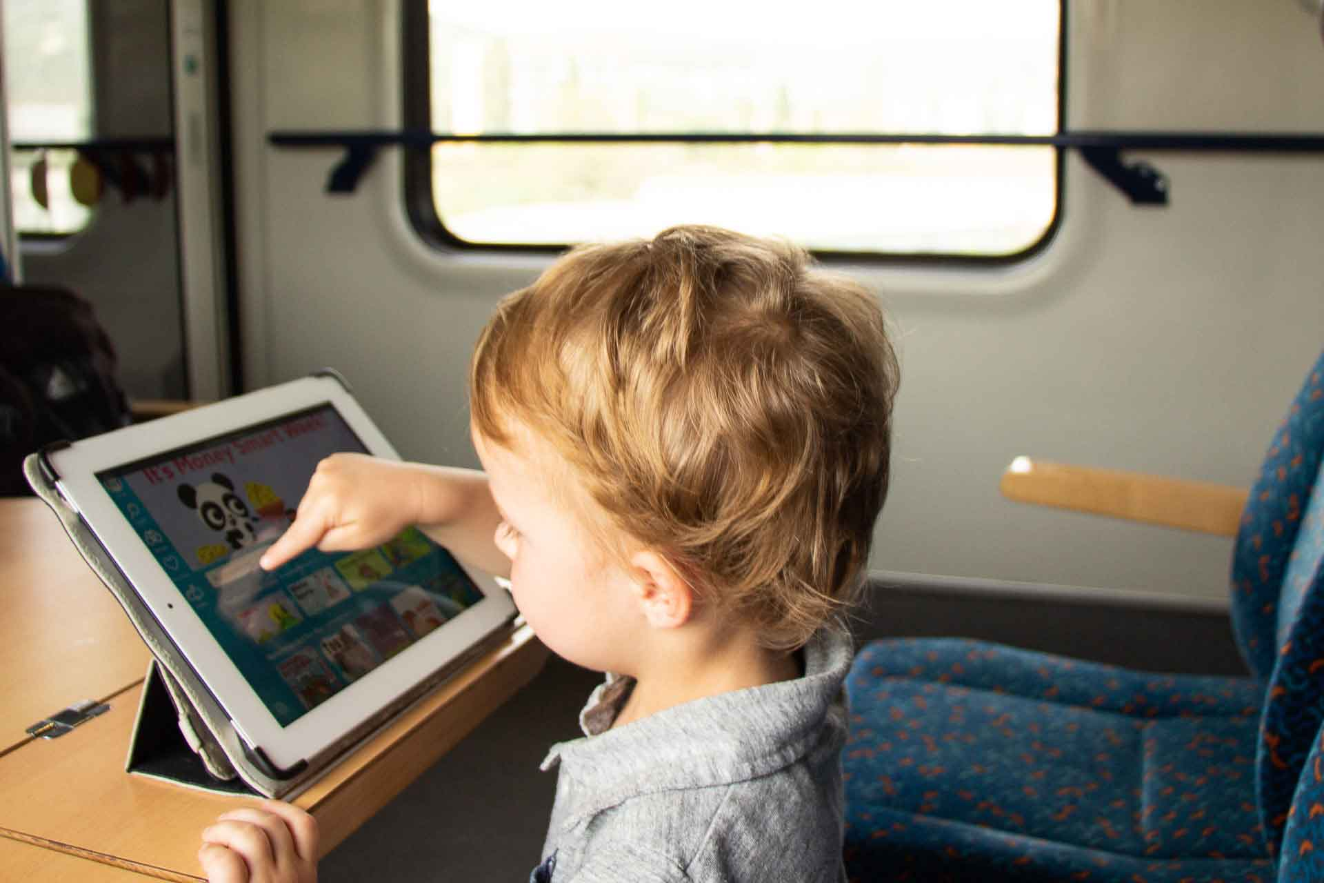 Epic books for kids - Digital Library for Travel on train