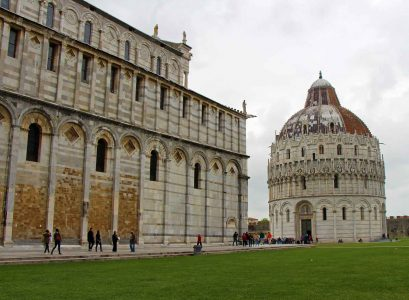 Family-Can-Travel---Pisa,-Italy-Square-of-Miracles-with-Kids-(1)