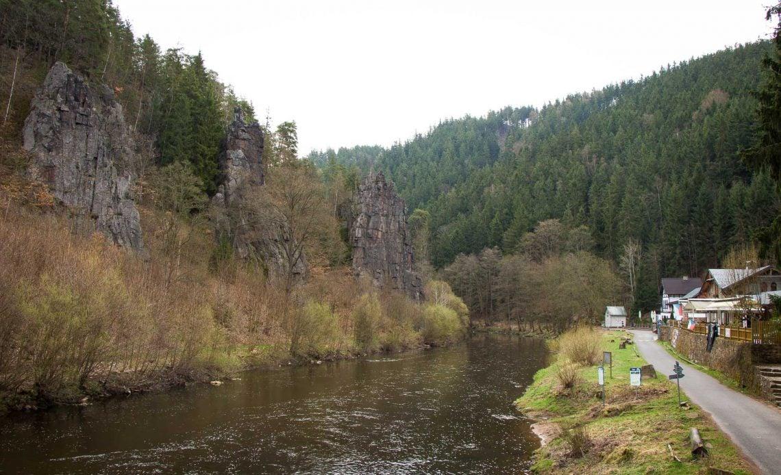 Hiking Karlovy Vary to Loket with kids