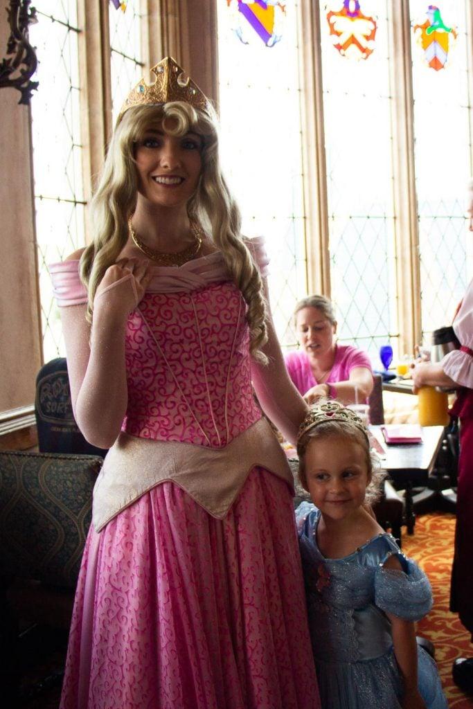 Tips to meet Disney princesses - where to meet aurora at disney world - meeting Sleeping Beauty at at Cinderella's Royal Table