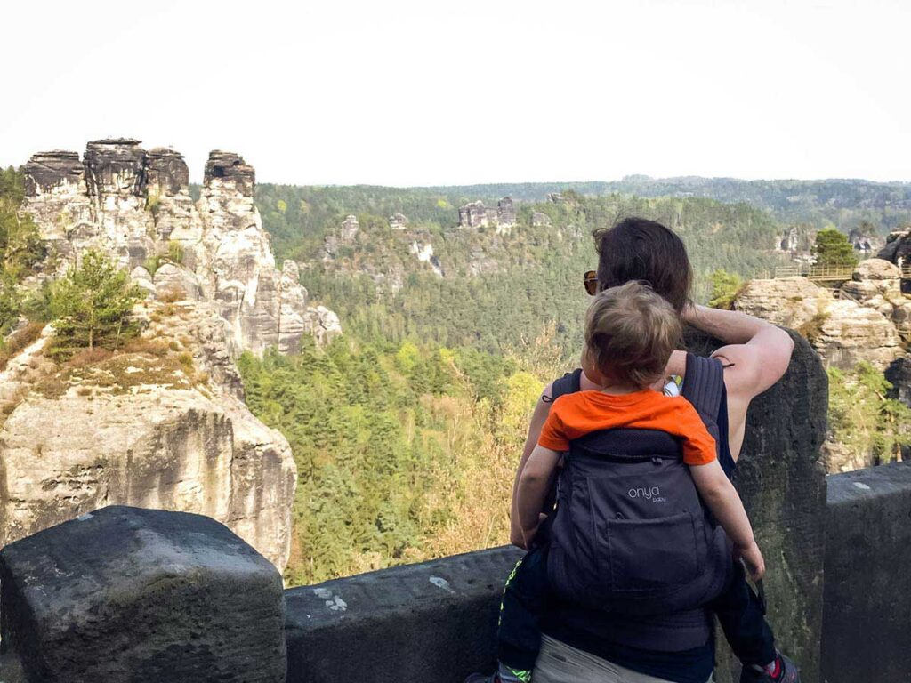 using toddler carrier in saxon switzerland national park with kids