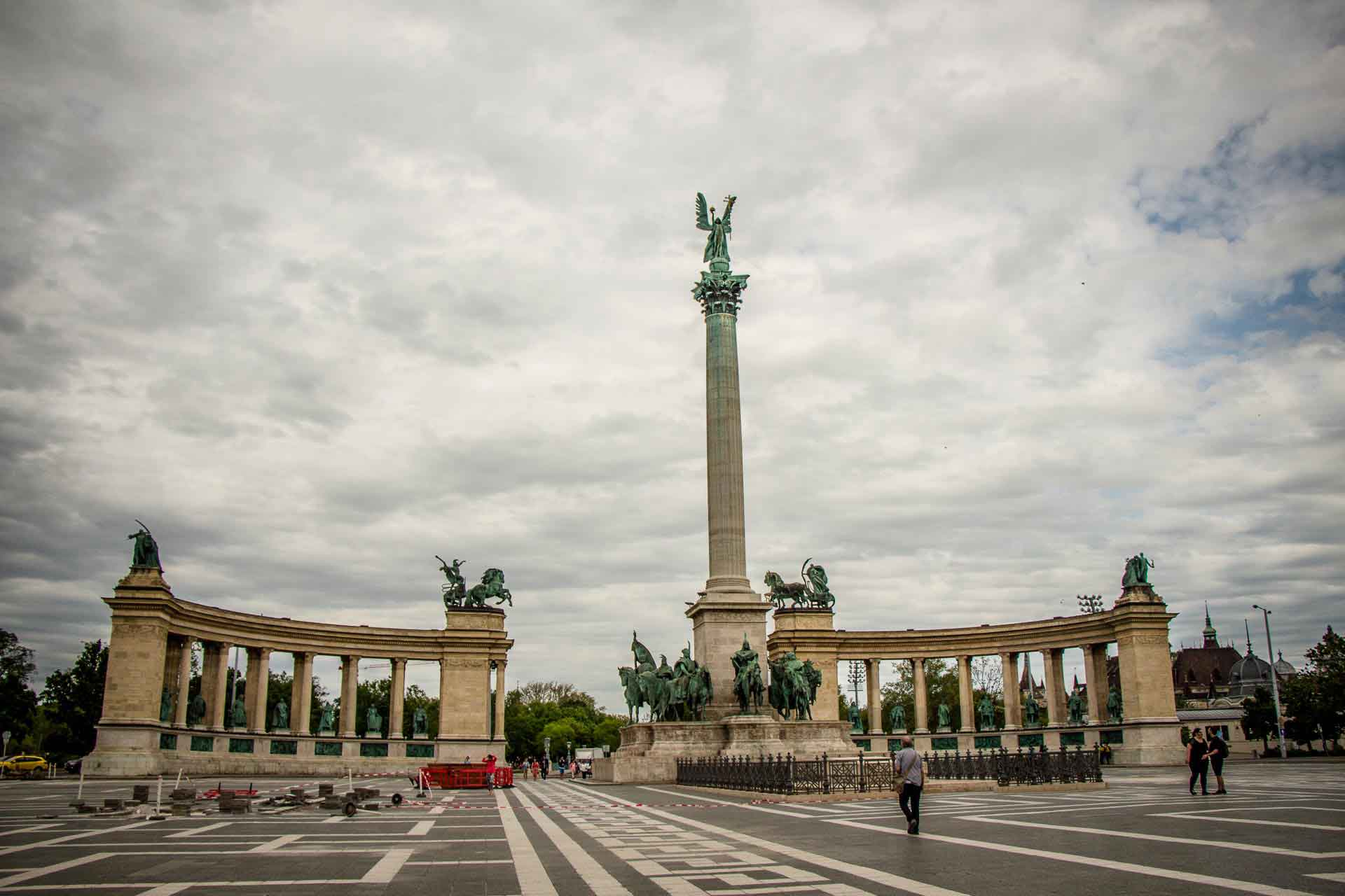 Budapest Family Friendly Walks - Heroes Square