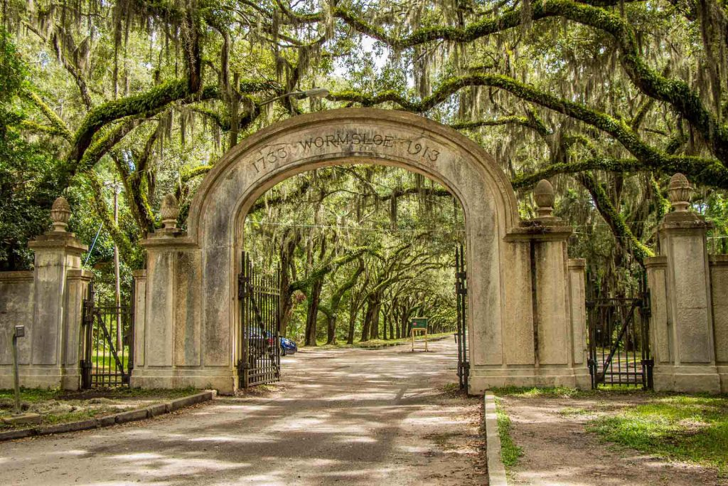deep south usa road trip  with kids - 2 Days in Savannah, GA - Wormsloe Historic Site Entrance