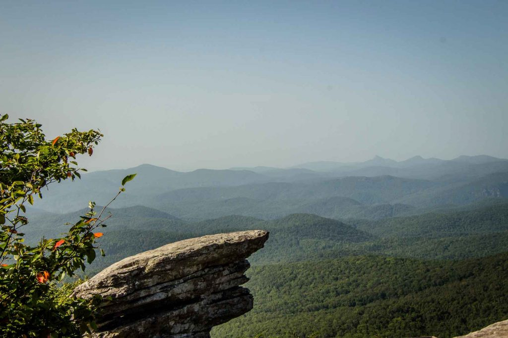 Family Can Travel - Family Friendly Hikes Along the Blue Ridge Parkway - Rough Ridge - views of the mountains