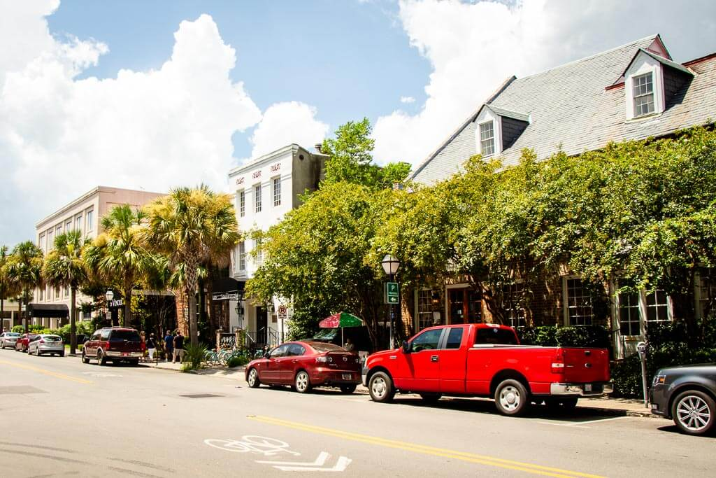 self guided walking tour of Charleston with kids