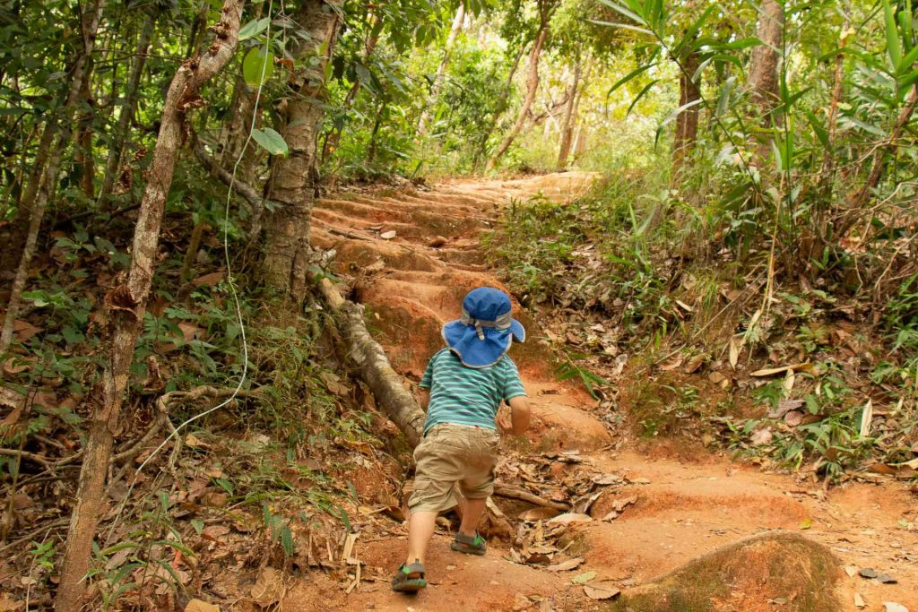 Hike to Wat Phrathat Doi Suthep with kids