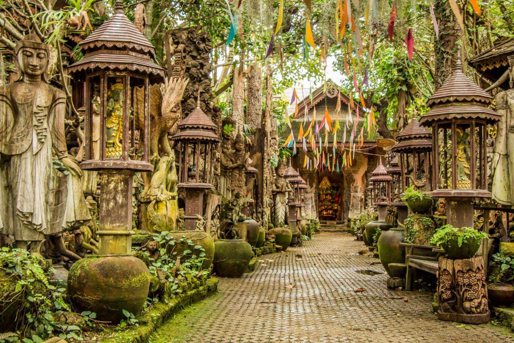 Grasshopper Adventures cycle tour in Chiang Mai Thailand