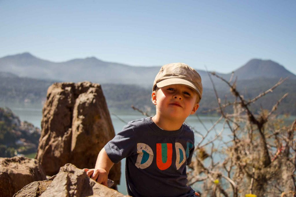 Hiking Mirador La Peña in Valle de Bravo with a toddler