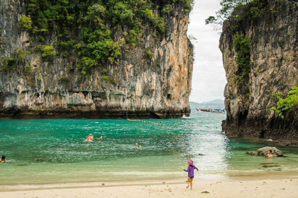 Hong Island with kids in Thailand