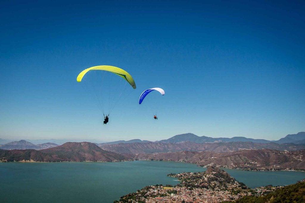 Paragliding in Valle de Bravo Mexico