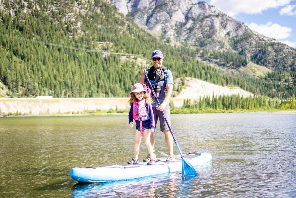 paddle boarding banff with kids on Vermilion Lakes