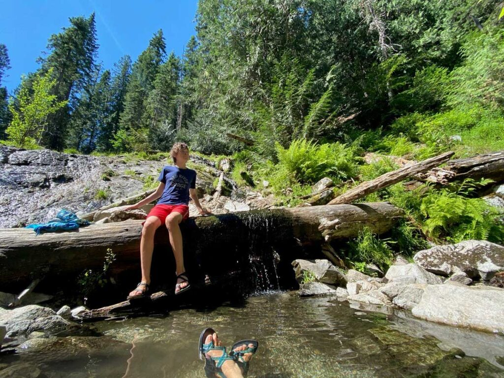 hiking to Weir Creek Hot Springs in Idaho with kids