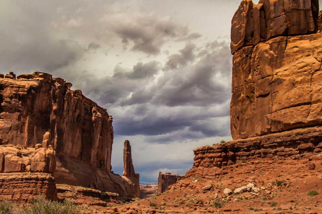 Park Avenue hiking Trail in Arches NP