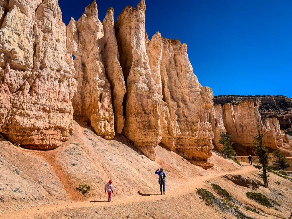 Hiking Fairyland Loop Trail in Bryce Canyon NP with kids