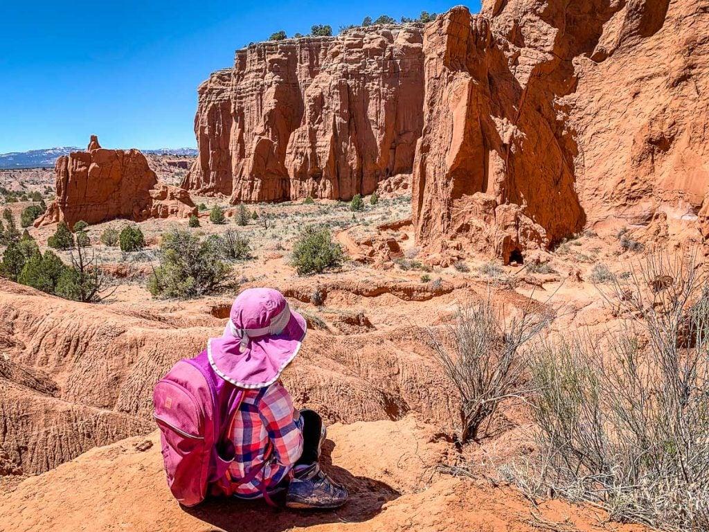 hiking panorama trail with kids - Kodachrome Utah