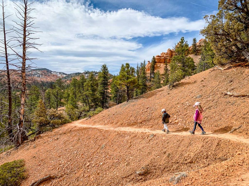 hiking with kids in Red Canyon Utah