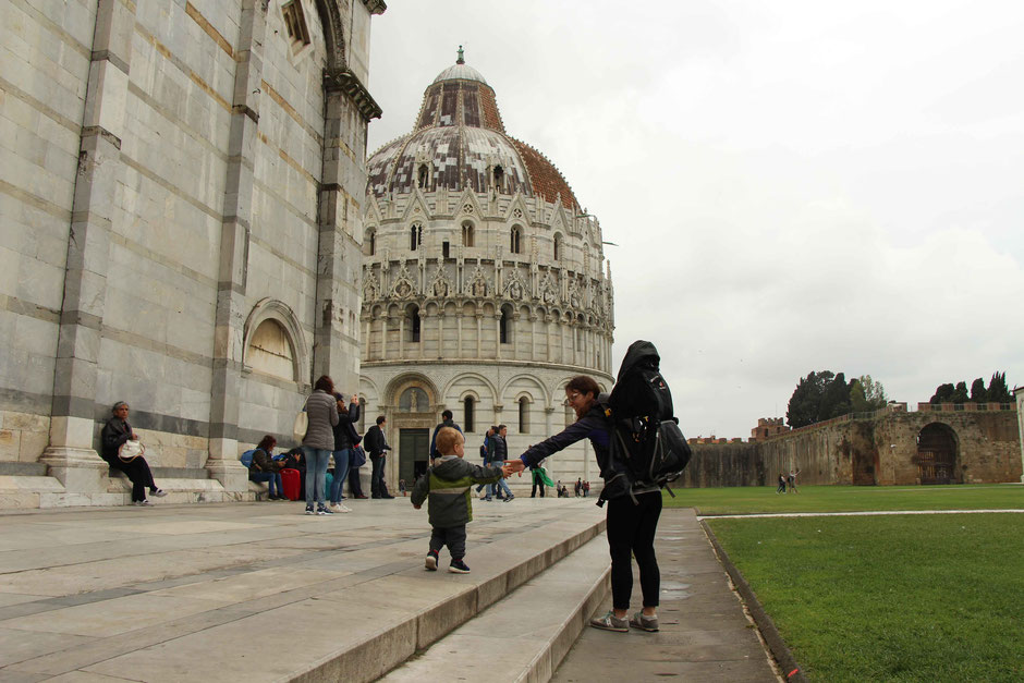 Pisa with a toddler - exploring the grounds around the Leaning Tower of Pisa
