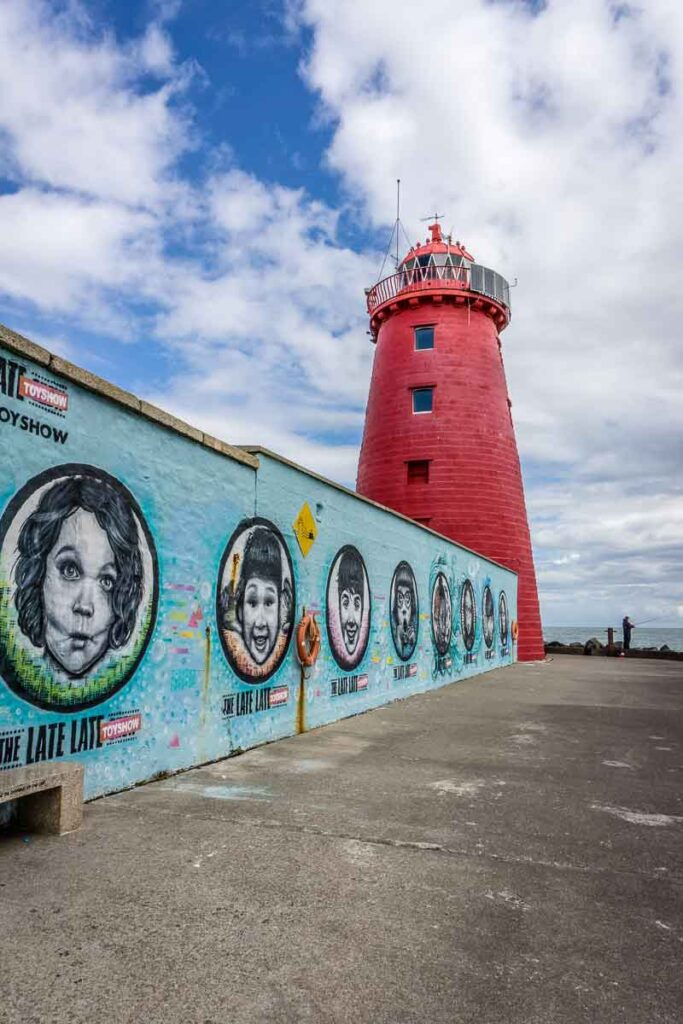 image of Poolbeg Lighthouse in Dublin Ireland