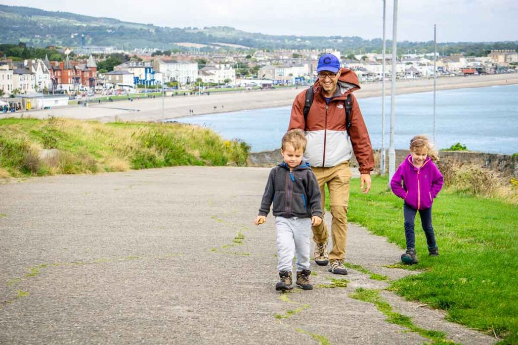 Image of family walking from Bray to Greystones in Ireland