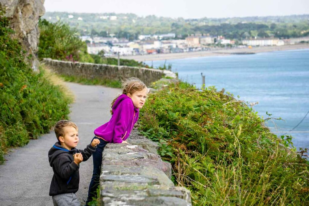 image of two children on pathway from Bray to Greystones in Ireland
