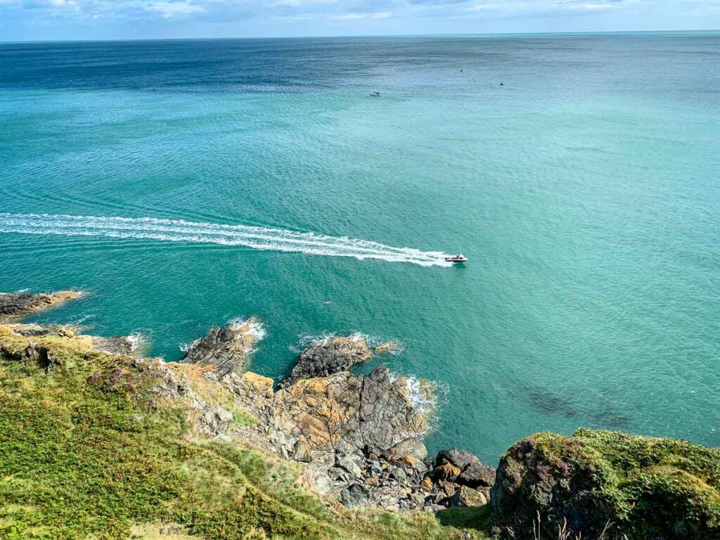 image of turquoise ocean waters in Ireland