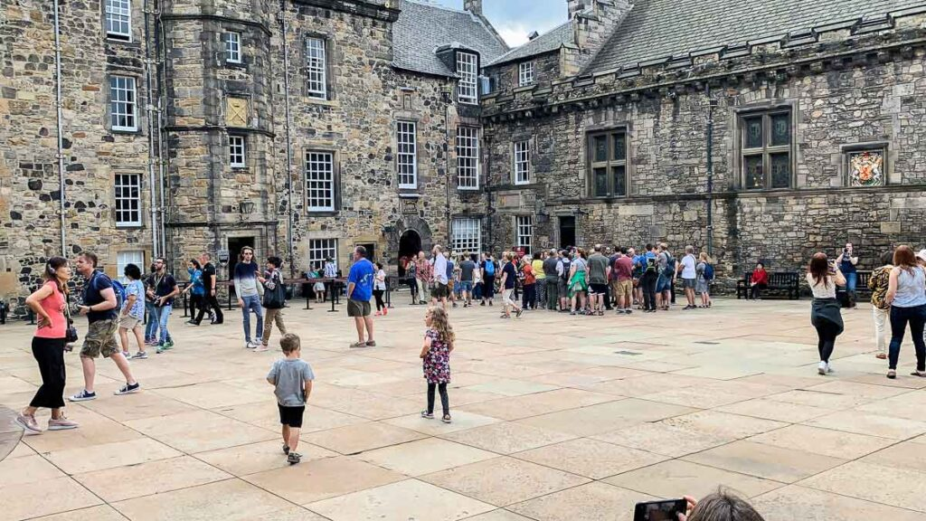 image of kids walking around Edinburgh Castle