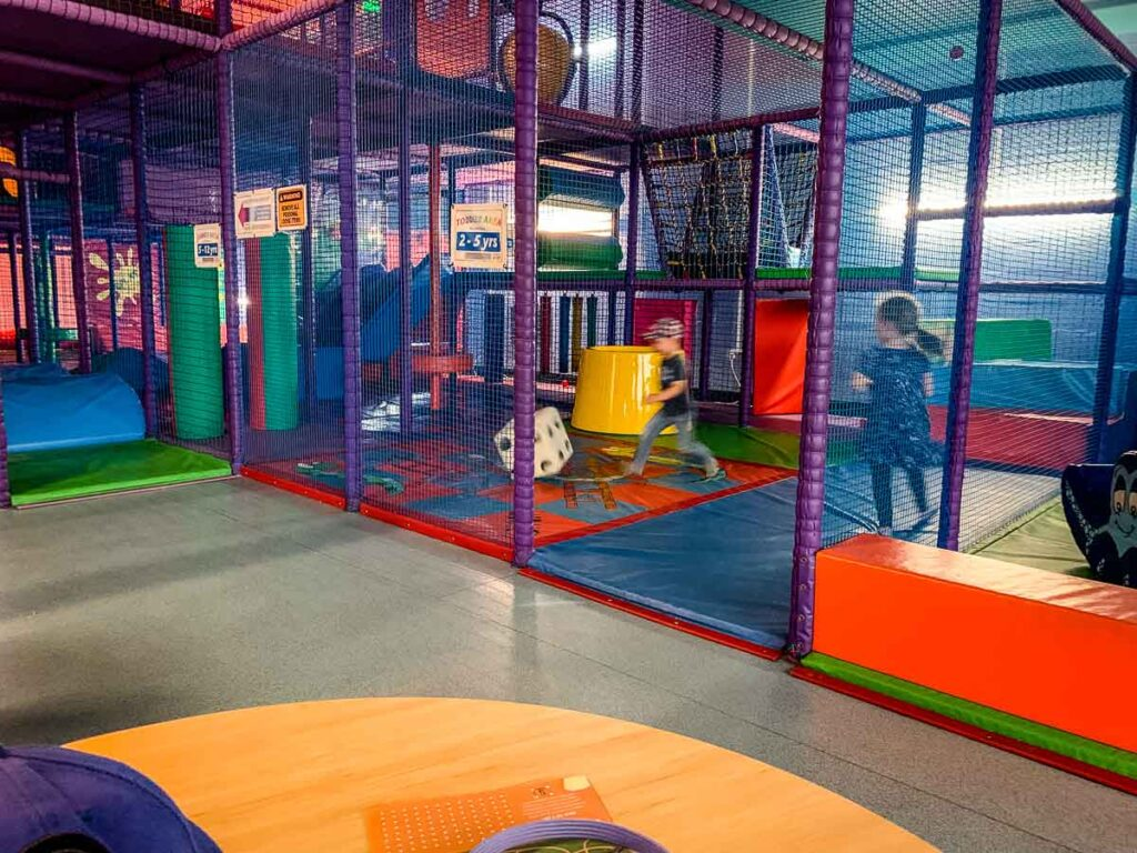 image of kids playing in indoor play area Fort William Scotland