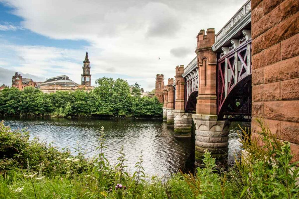 Image of bridge over river in Glasgow Scotland