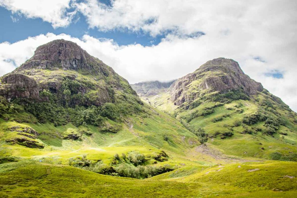 image of three sisters Glencoe Scotland