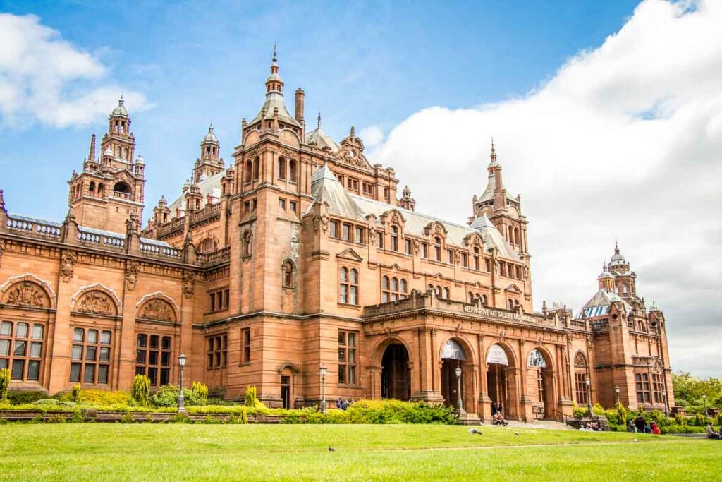 indoor activities Glasgow for kids - Kelvingrove Museum in Edinburgh