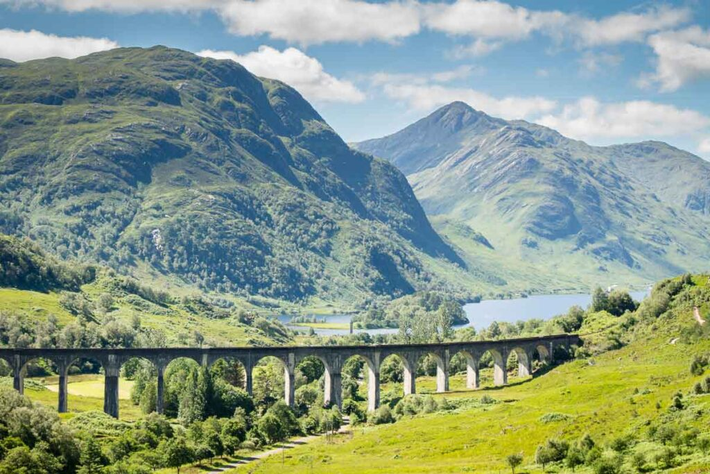 image of Glenfinnan Viaduct in Scotland
