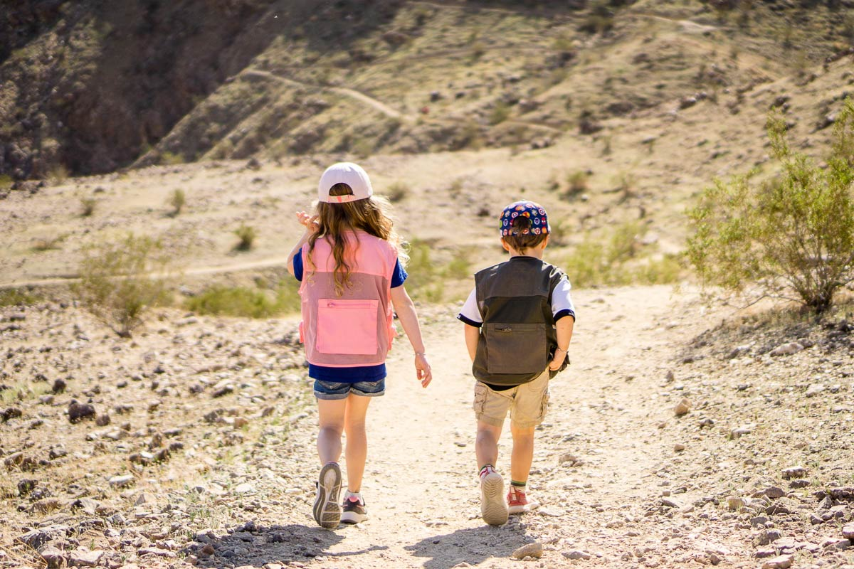 image of two kids hiking in Palm Springs