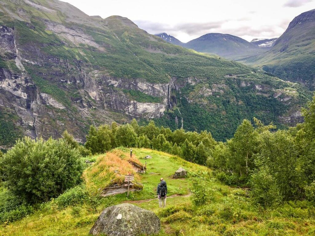 image of hiking in Geiranger with toddlers