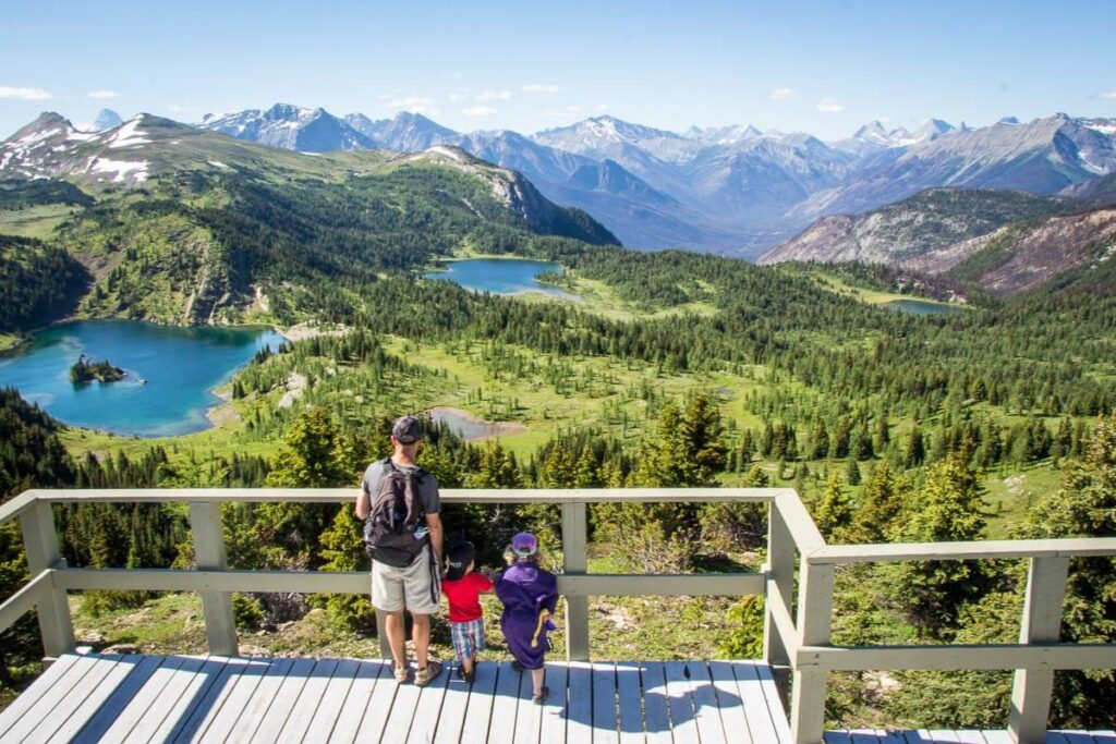 image of family at sunshine meadows in banff national park
