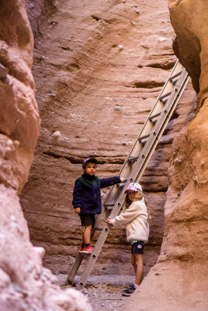 image of two kids at the ladder in the Ladder Canyon Palm Springs