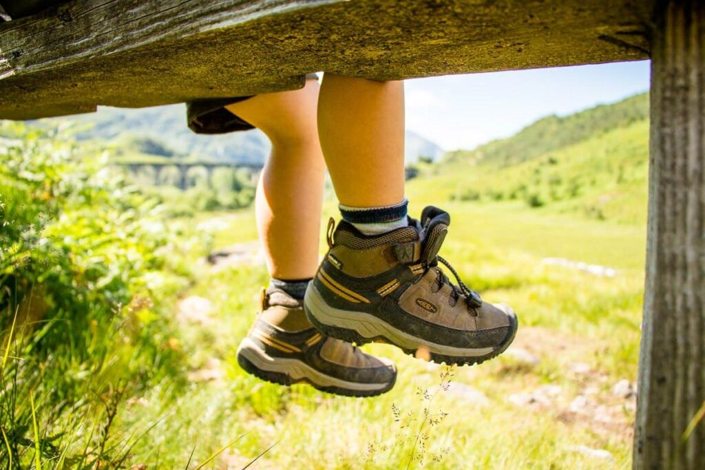 image of kids hiking boots