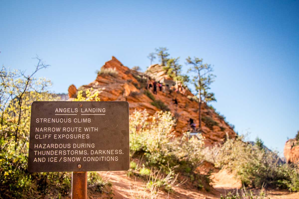 image of the sign along the route to Angels Landing summit in Utah