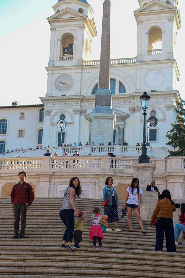 Visiting the Spanish Steps in Rome with children is much better in the morning