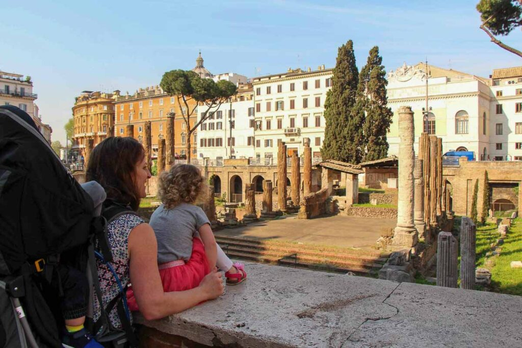 7 days in Rome with kids - cute stray cats from the Torre Argentina Cat Sanctuary