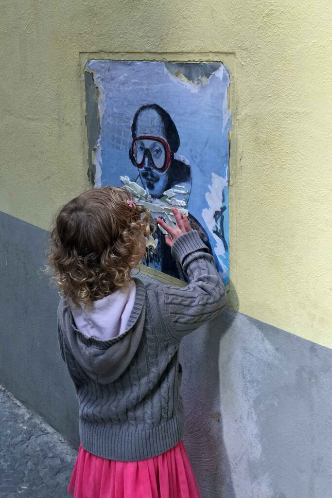 While exploring firenze with kids, look for the famous Blub street art