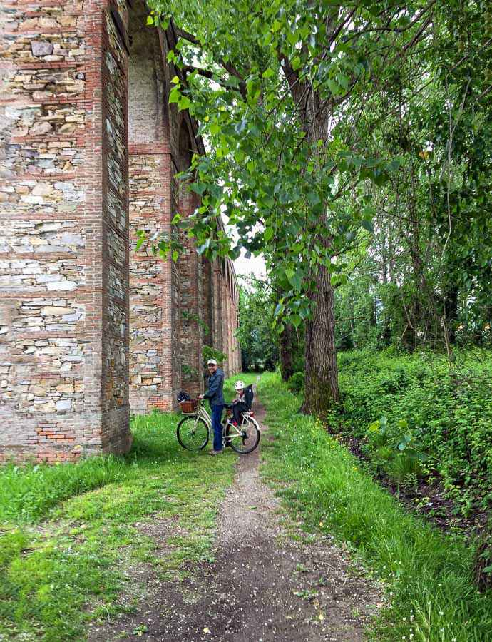We took our Lucca rental bikes to the Lucca Aquaduct