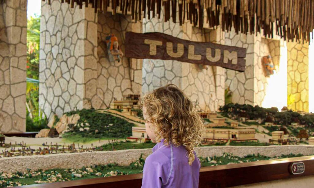 Teach kids about the Mayan civilization with this model of the Tulum ruins found at the Xel-Ha eco-park