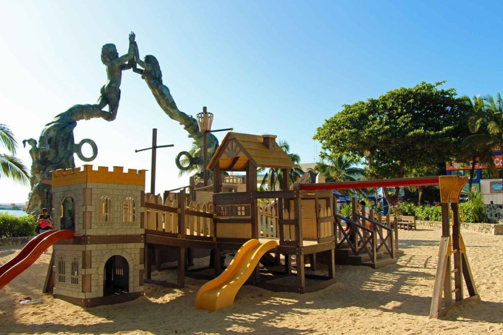 The best Playa del Carmen playground in Park Fundadores