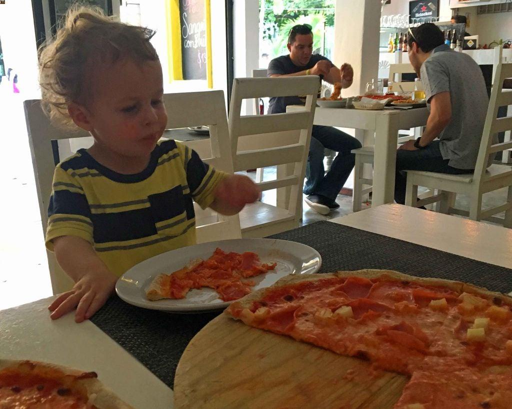 Pizza is kid-friendly food in Playa del Carmen